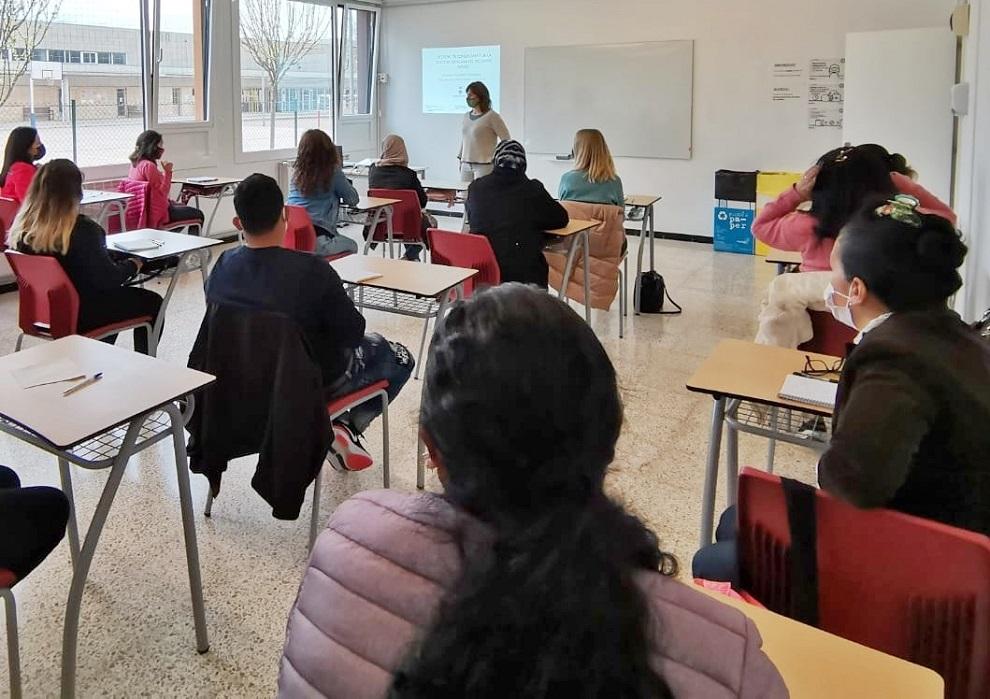 La sessió formativa es va fer ahir a l'Aula d'Aprenentatge de Palamós. (Foto: Ajuntament de Palamós).