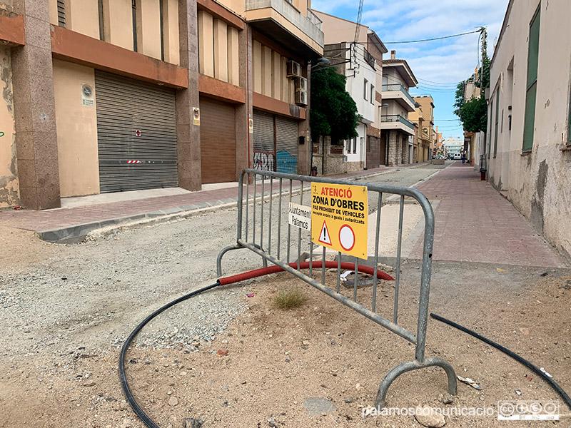 Estat de les obres al carrer de Santa Bàrbara, aquest matí.