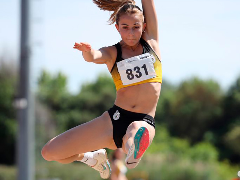 Marta Galló, bronze en el Campionat de Catalunya amb un salt de 5,66 metres.