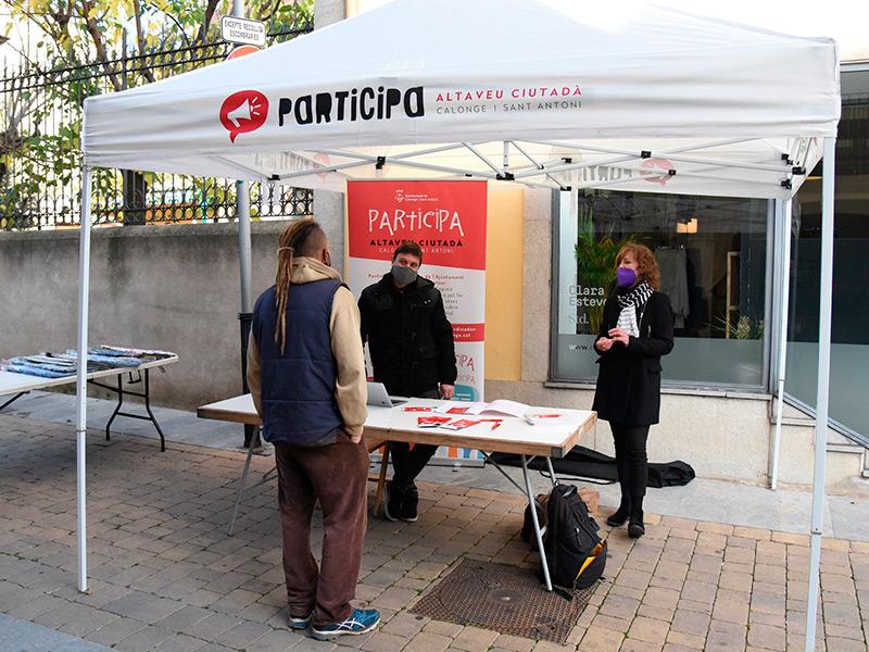 Imatge de la carpa de Participació Ciutadana durant una acció de recollida de propostes de la ciutadania. (Foto: Ajuntament de Calonge i Sant Antoni).
