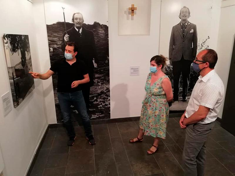 L'exposició es pot visitar a la Capella del Carme fins a finals de setembre. (Foto: Ajuntament de Palamós).