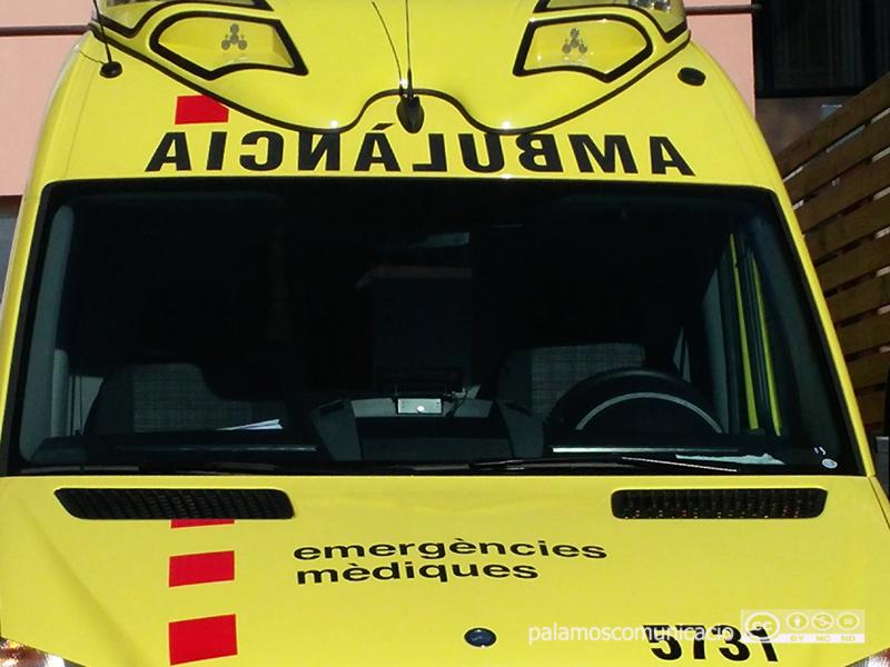 Les dues persones ferides van ser traslladades a l'hospital de Palamós pel Servei d'Emergències Mèdiques.