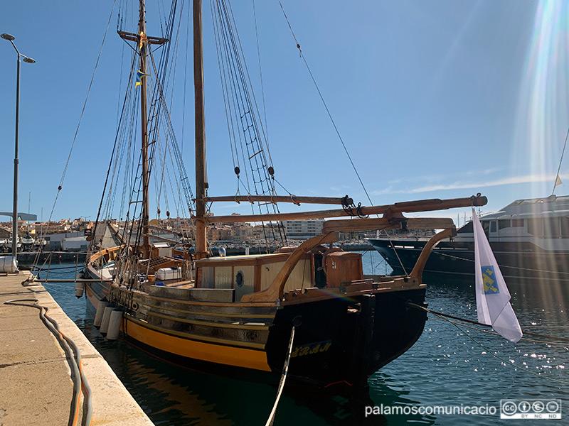 La goleta Äran, amarrada al port de Palamós.