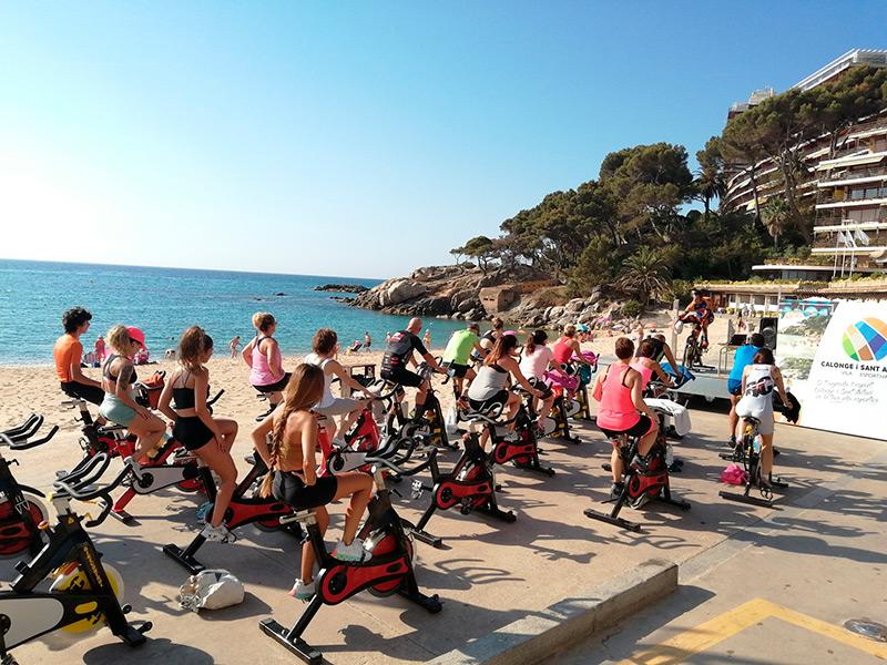 Imatge de la primera sessió de Bike Control Tour a Torre Valentina. (Foto: Ajuntament de Calonge i Sant Antoni).