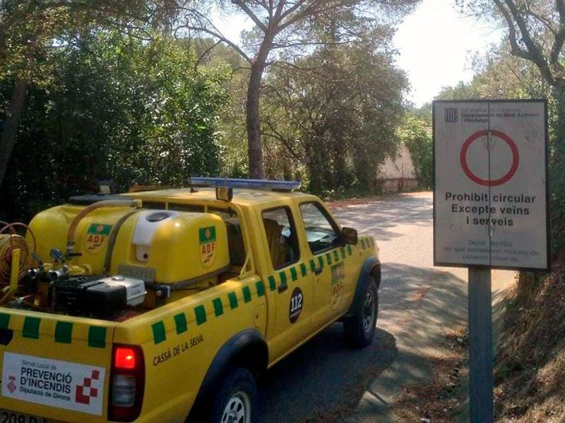 Tancat l'accés a les Gavarres, fins i tot a peu. (Foto: ADF Gavarres Marítima).
