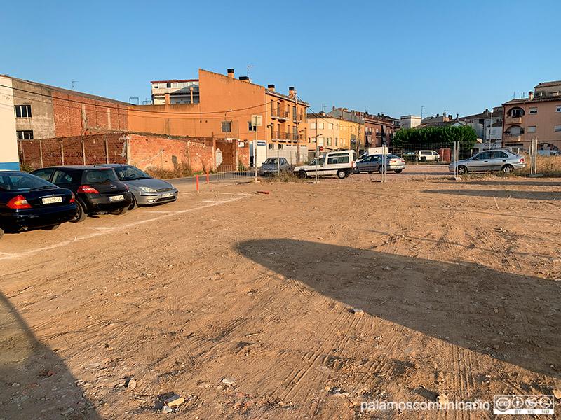 Per compensar l'eliminació de places d'aparcament del carrer Rentadors, s'ha obert un pàrquing nou al carrer de la Font.