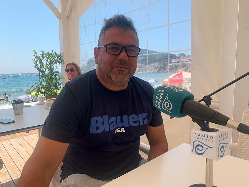 L'entrenador del Palamós Club de Futbol, Mario Fernández.