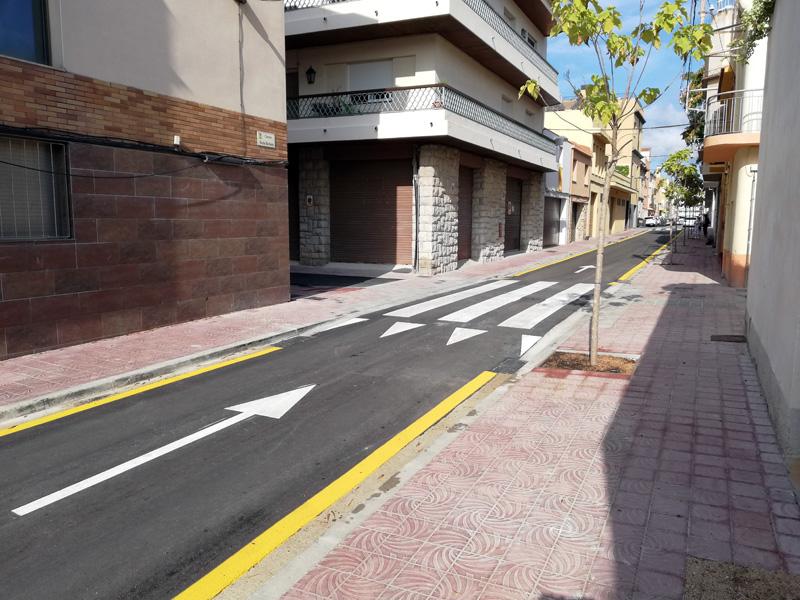 Imatge d'un tram del carrer de Santa Bàrbara, amb el projecte d'obres totalment enllestit. (Foto: Ajuntament de Palamós).