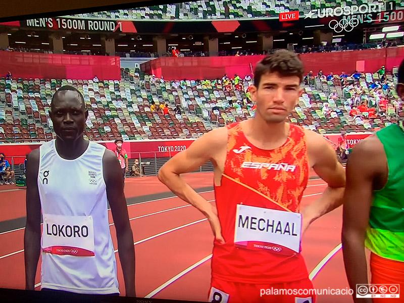 L'atleta Adel Mechaal, just abans de la cursa dels 1.500 metres.