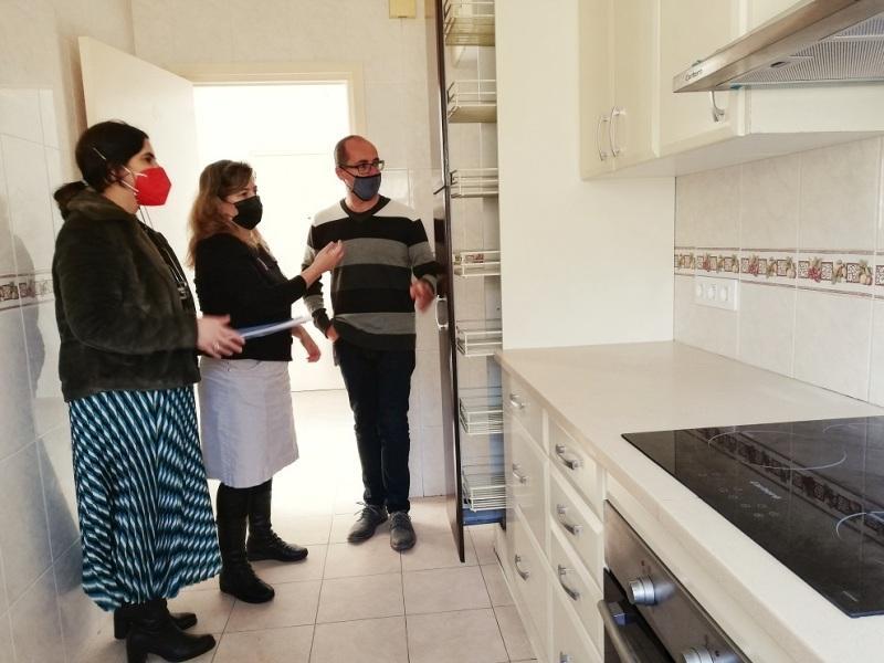 Palamós disposa ara mateix de tres pisos destinats a emergència social. (Foto: Ajuntament de Palamós).